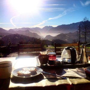 Breakfast in the garden with fantastic views